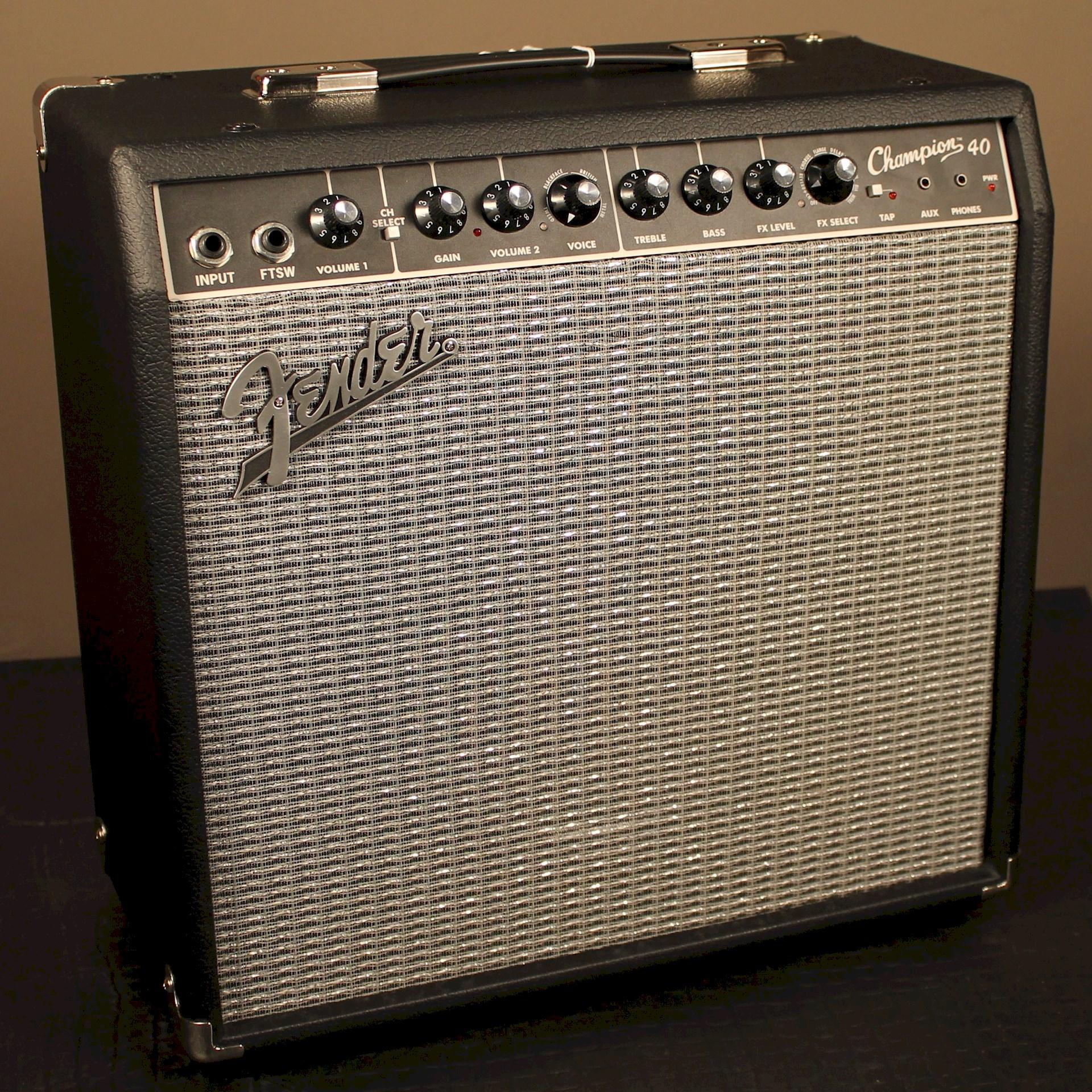 Fender Champion 40 - LeftyGuitars