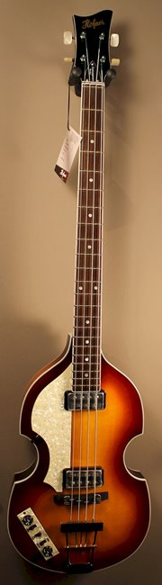 hofner violin bass contemporary lh staand.jpg
